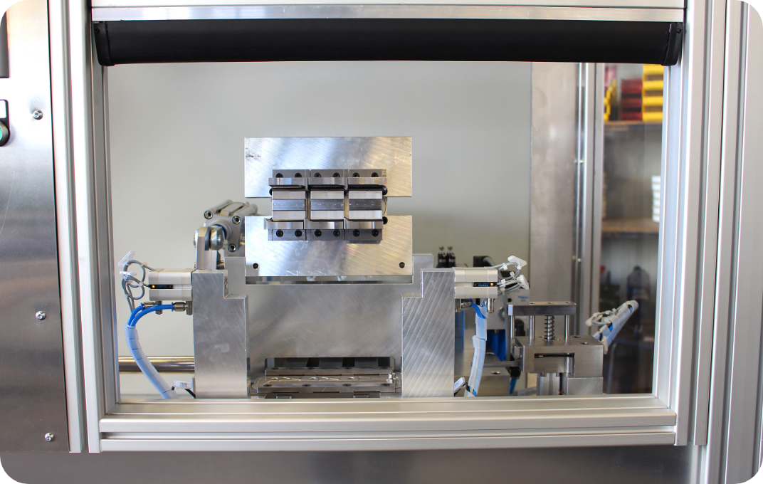 Brauner Elektrotechnik Roboter fuer Industrie